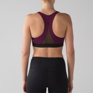 Lululemon Invigorate Bra Marvel/Black Size 8